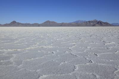 アメリカ ユタ州にある広大な塩の平原ボンネビル・ソルトフラッツ